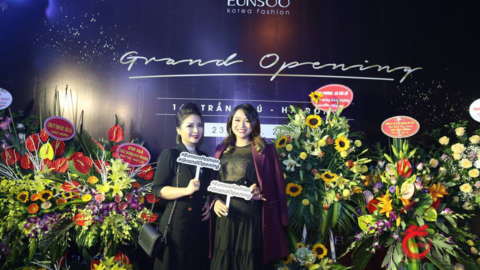 Eun Soo's 4th showroom grand opening