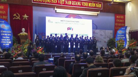 Lễ Khai giảng năm học 2012 – Trường Khoa học Công nghệ Hà Nội
