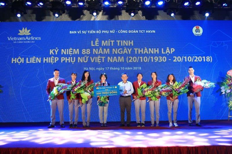 vietnam-airline-ky-niem-88-nam-thanh-lap-hoi-lien-hiep-phu-nu-viet-nam (7)