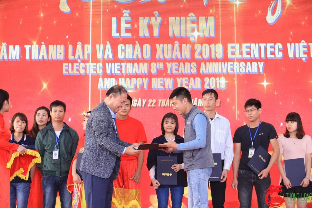 elentec-viet-nam-le-ky-niem-8-nam-thanh-lap-va-chao-xuan-2019-6
